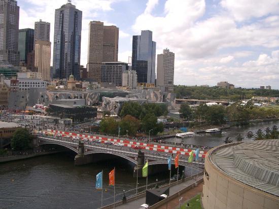 Quay West Suites Melbourne: View 1