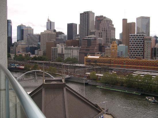 Quay West Suites Melbourne: View 2