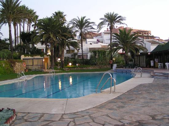 Costa Natura Naturist Apartment Hotel: Swimming pool