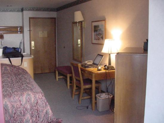 Clarion Inn: work desk