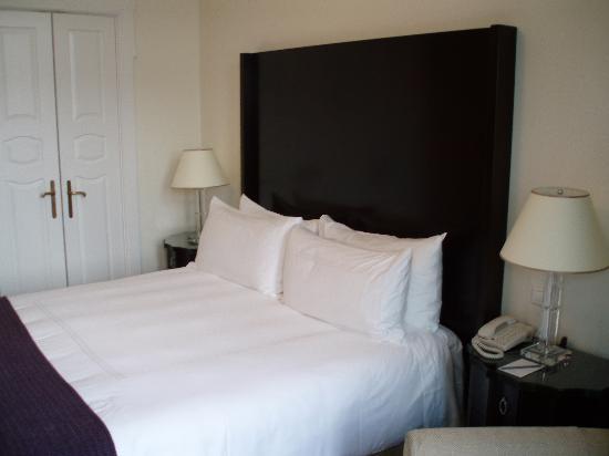 Four Seasons Hotel Gresham Palace : Room 426, Danube Deluxe