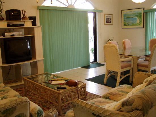 Bonville View Villa : livingroom