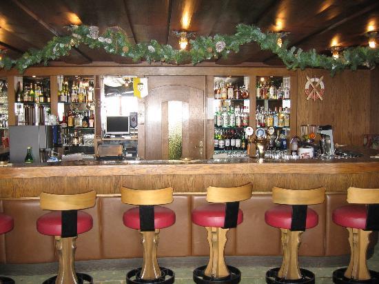 Sporthotel Enzian: bar
