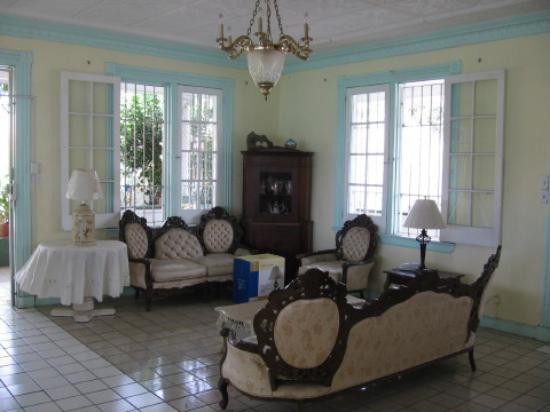 Miller Manor Guest House: Lobby