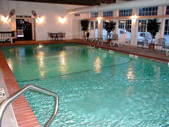 The Kancamagus Lodge: Indoor Pool at Kancamagus Motor Lodge, Lincoln, NH