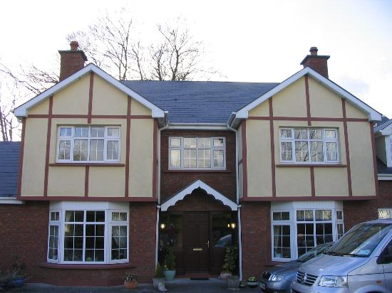View of front of Willow Lodge