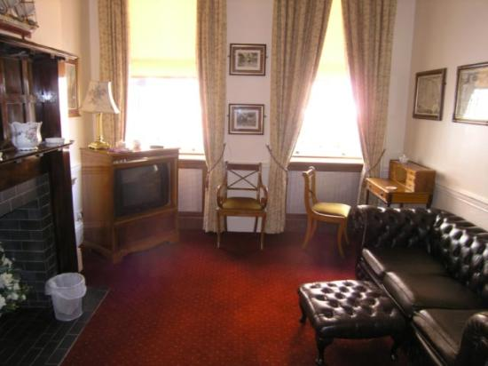 Morgan Hotel: Sitting room in ground floor suite
