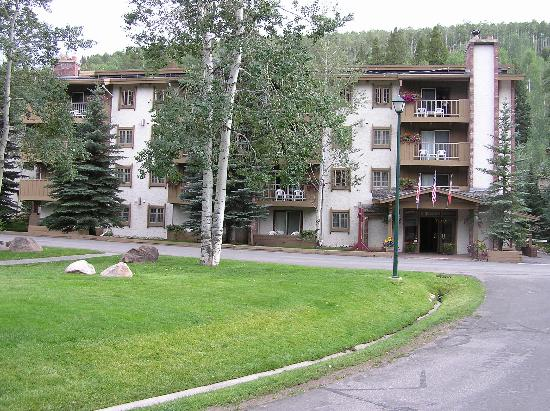 Willows Condominiums at Vail: Willows in August