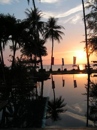 The Siam Residence Boutique Resort : Sunset to die for