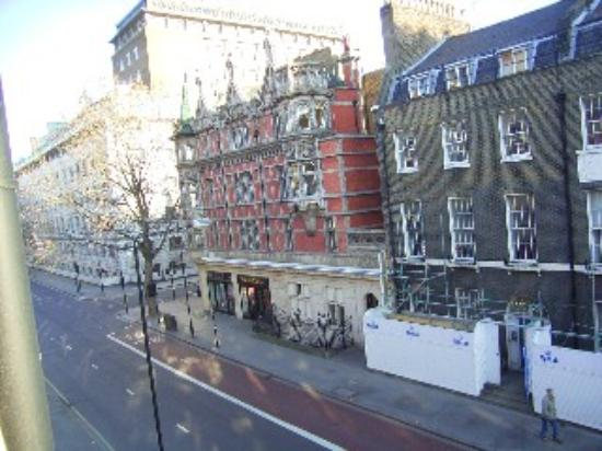 Cavendish Hotel- Bloomsbury: View from the window - Gower Street