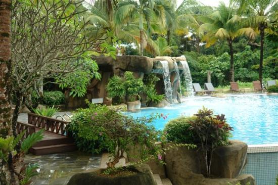 Damai Puri Resort & Spa: Hilltop pool in Damai Beach
