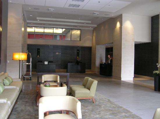 Bellevue, WA: Front Lobby