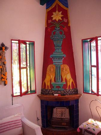Casa Orquidea B&B: Room 5 fireplace