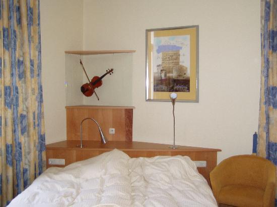 Hotel Uhland: The Mozart room (Number 15)