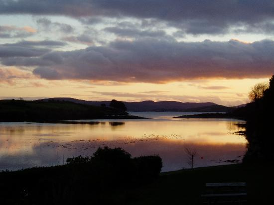 Aran Lodge B&B : Bantry Bay at sunset