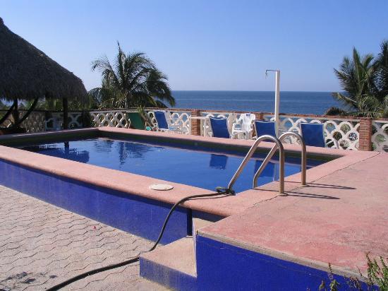 Hotel Flor de Maria: Rooftop pool