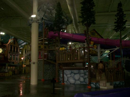 ‪Avalanche Bay Indoor Waterpark‬