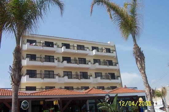 Anastasia Beach Hotel: Part of hotel view from pool side