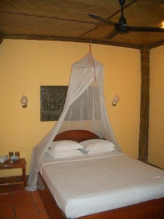 Bopha Siem Reap Boutique Hotel: bed