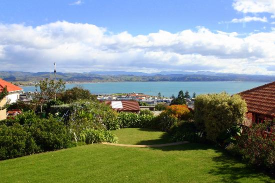 McHardy Lodge: View of Hawke's Bay