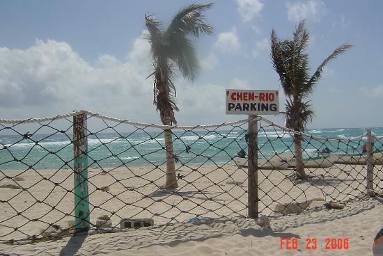Villablanca Garden Beach Hotel: Chen Rio on windward side of island