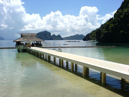 El Nido Resorts Miniloc Island: leads to the jetty