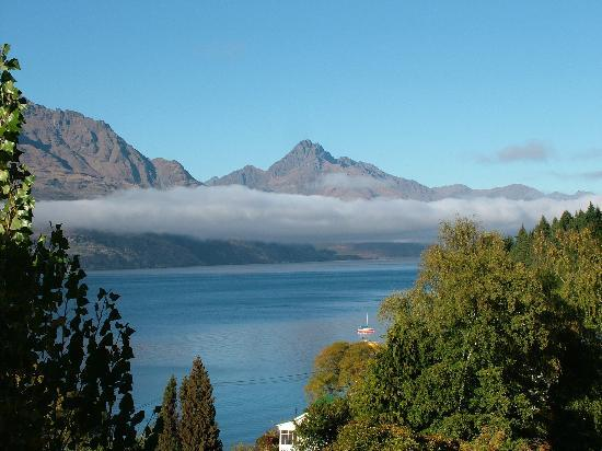 Copthorne Hotel and Resort Queenstown Lakefront: View from room