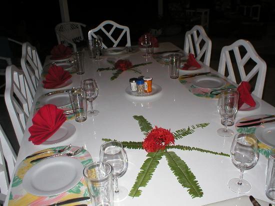 Somewhere Villa: The table