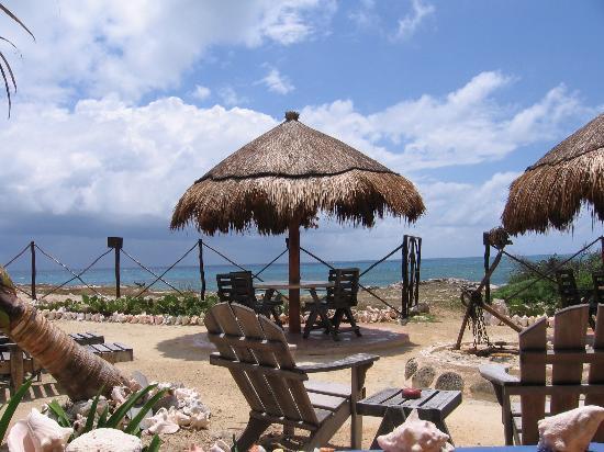 Villa La Bella: Table at VLB overlooking sea