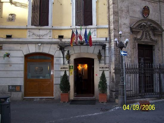 Hotel Portoghesi: The front of the Hotel.
