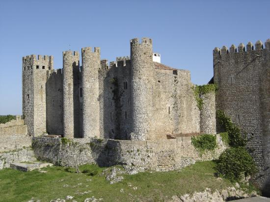 Hotel Real D'Obidos : Obidos castle keep as seen from another wall.