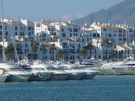 Marbella, Spanje: Puerto Banus Marina, Yachts