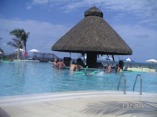 SERHS Natal Grand Hotel: Pool bar