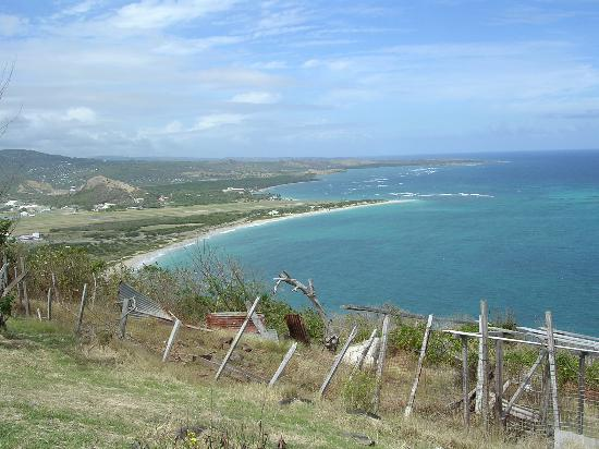 St Remy Plantation: Beach at the south of the island