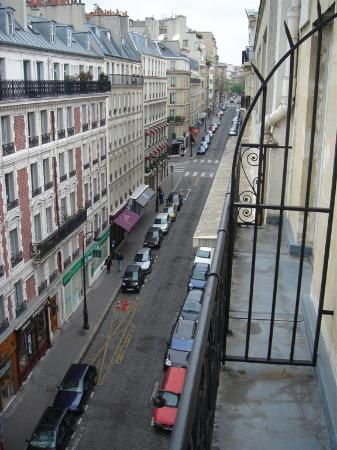 Hotel Elysees Regencia Paris: Another view from the balcony