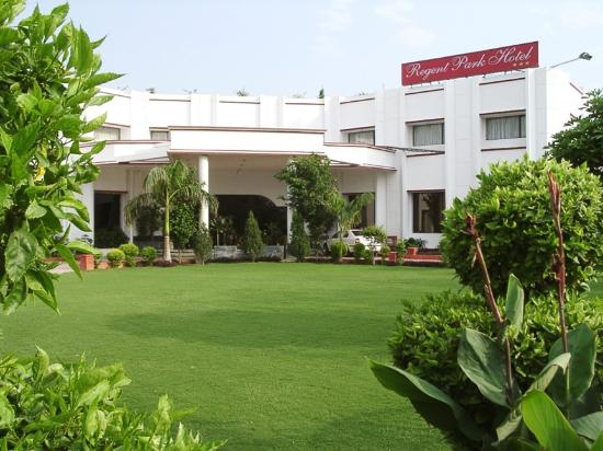 The Regent Park Hotel Elevation