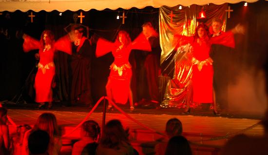 Sunlight Bahia Principe Costa Adeje: Horror Fantasy Show - very funny!