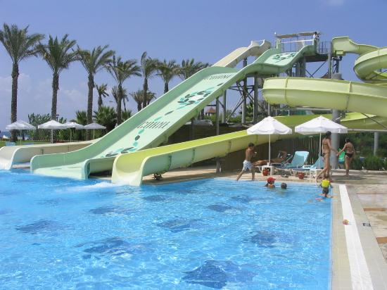 Toboggan picture of cornelia de luxe resort belek for Piscine 07500