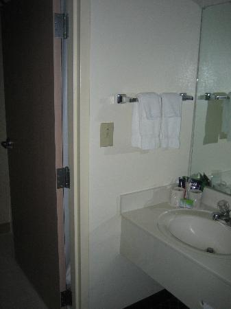 Fairfield Inn & Suites Dallas Medical / Market Center: Room 379