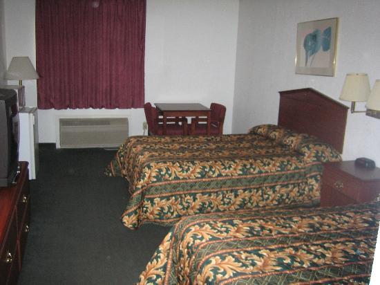 Grand Prairie, TX: Room 176