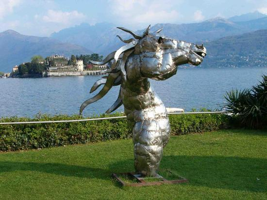 Stresa, Italia: Isola Bella view from lake side