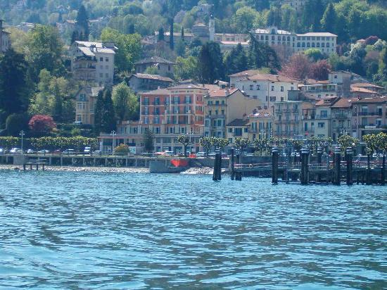 Stresa, Italien: Residence Hotel from boat