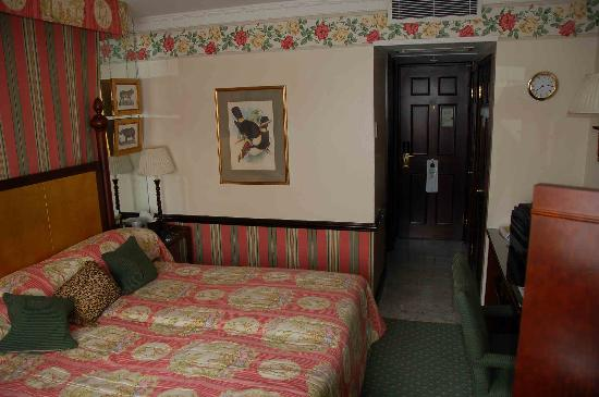 The Chesterfield Mayfair: Hotel Room