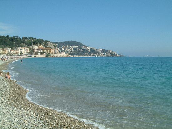 "Nicea, Francja: The ""beach"" of Nice.  Kinda rocky but really pretty"