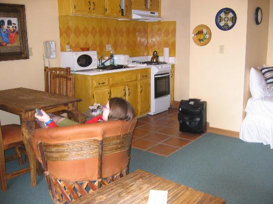 Hotel Pepper Tree: kitchen area in 2nd room