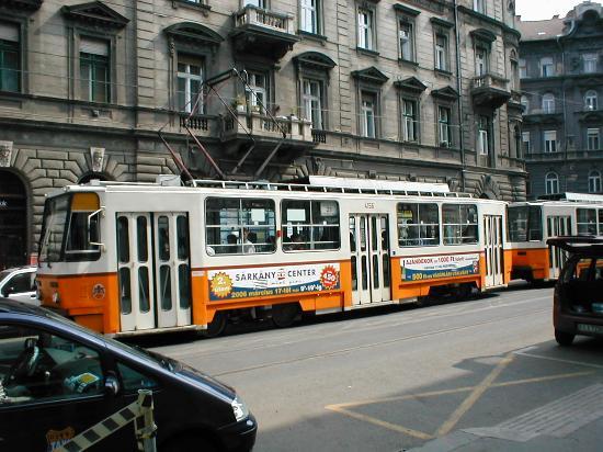 Atlas City Hotel: Tram outside the hotel
