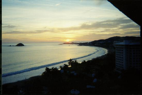 Inter-Continental Presidente Ixtapa : sunset from my room