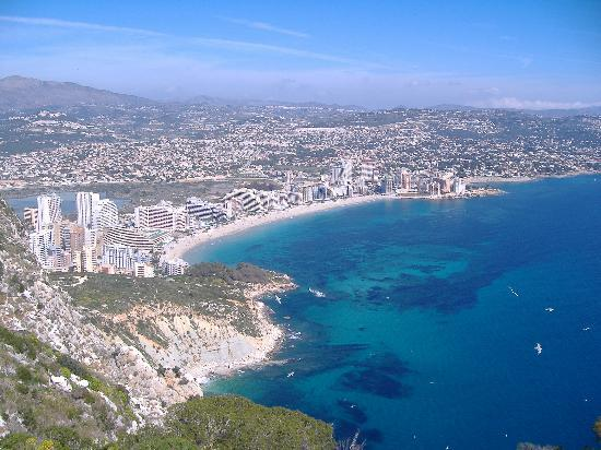 Кальп, Испания: Calpe from the top pf the rock Penon d'Ifach