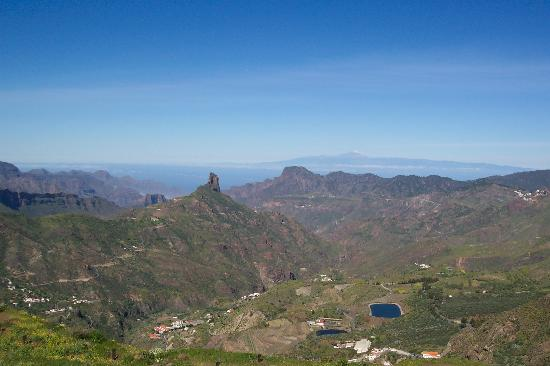 Playa de Cura, Spagna: Teneriffe as seen from Gran Canaria