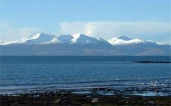 Carlton Seamill B & B: Isle of Arran from Seamill Beach, Ayrshire, Scotland
